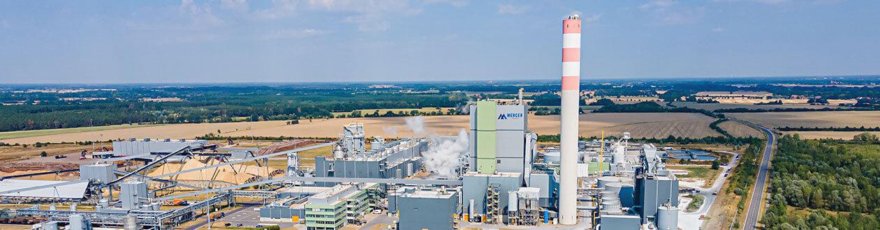 Luftaufnahme des Zellstoffwerks Mercer Stendal bei Arneburg, Deutschland